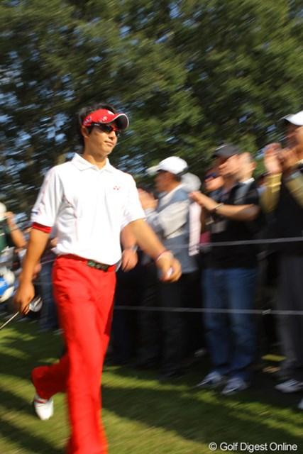 2009年 日本オープンゴルフ選手権競技 最終日 石川遼 「遼君頑張ってー!」の声に笑顔で返す余裕が無かった最終日の石川遼