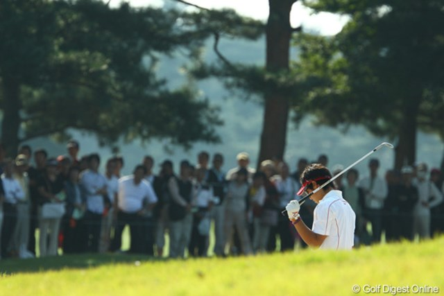 2009年 日本オープンゴルフ選手権競技 最終日 石川遼6番バンカーショット 「*?@\!=#%$;~~~~~っ!!もう、携帯止めてっ!」