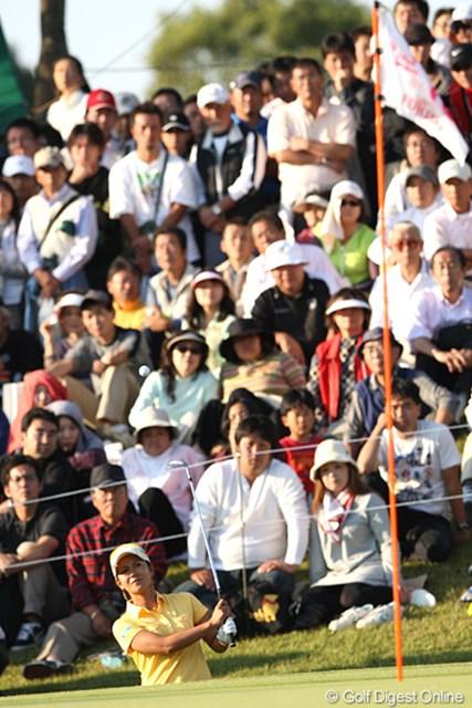 2009年 富士通レディース最終日 宮里藍 プレーオフで抜群のアプローチを見せる