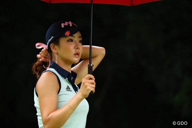 和傘が似合いそう。