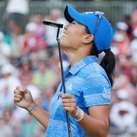 ダニエル・カンは最終18番でバーディパットを沈め、喜びをかみしめた(Scott Halleran/Getty Images for KPMG) 2017年 KPMG女子PGA選手権 最終日 ダニエル・カン