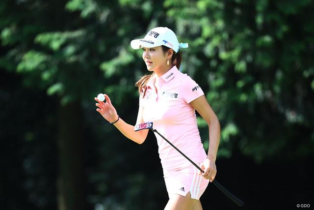 やっぱりピンクが好き。アン・シネは体調不良でも決勝ラウンドへ
