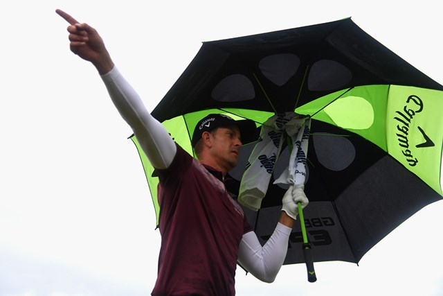 昨年覇者ステンソンに思わぬアクシデント。それでも24位で決勝へ(Matthew Lewis/R&A/R&A via Getty Images)