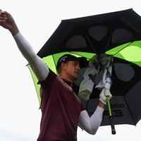 昨年覇者ステンソンに思わぬアクシデント。それでも24位で決勝へ(Matthew Lewis/R&A/R&A via Getty Images) 2017年 全英オープン 2日目 ヘンリック・ステンソン
