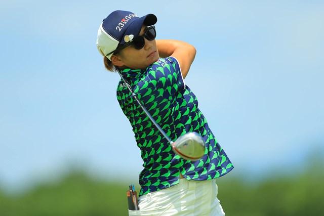 2017年 センチュリー21レディスゴルフトーナメント 2日目 成田美寿々 思い切って振る姿が見てて心地良いのです。