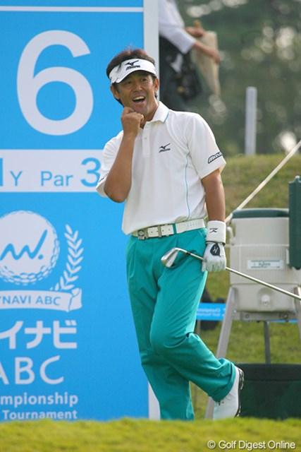 2009年 マイナビABCチャンピオンシップゴルフトーナメント 2日目 鈴木亨 最終ホールをイーグルで締め、首位と2打差の鈴木亨