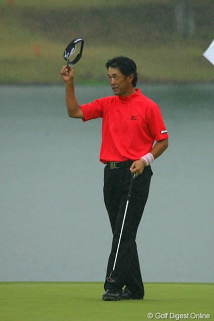 4日間、安定したゴルフを続けた鈴木亨が危なげなく逃げ切った