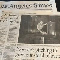 地元紙ロサンゼルスタイムスは「彼はいま打者ではなくグリーンに対してピッチングしている」との見出しで長谷川の快挙を報じた(撮影:アンディー和田) 2017年 全米アマチュア選手権 地区予選会 長谷川滋利