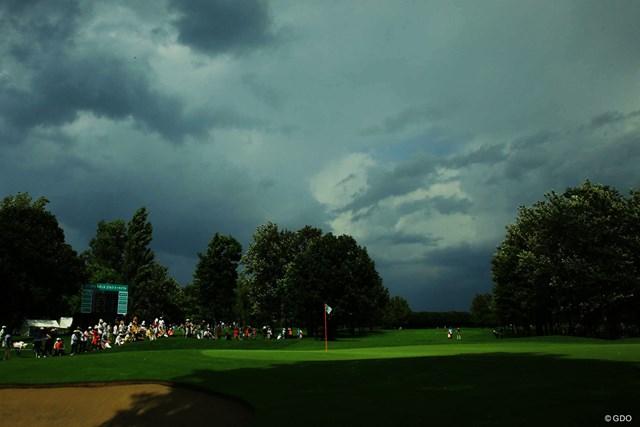 2017年 ニトリレディスゴルフトーナメント 3日目 雷警報 午後は雷警報も発令されましたが、奇跡的に中断なくホールアウトできました。