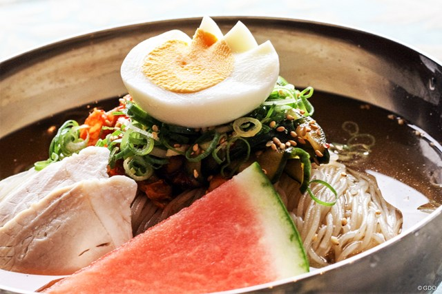 韓国風手打ち冷麺/1,512円(税込)