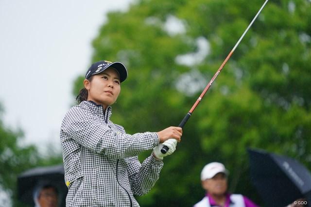 2017年 ゴルフ5レディス プロゴルフトーナメント 初日 松森彩夏 途中トップにたっていたのにトリプルを叩いてしまった。