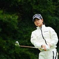 フィニッシュもレインウェアも全てビシッと決まった感じ。 2017年 ゴルフ5レディス プロゴルフトーナメント 初日 川満陽香理