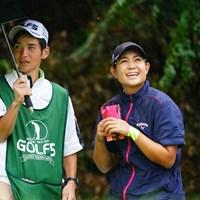 えへへ、ちっとも雨やまないね。 2017年 ゴルフ5レディス プロゴルフトーナメント 初日 倉田珠里亜