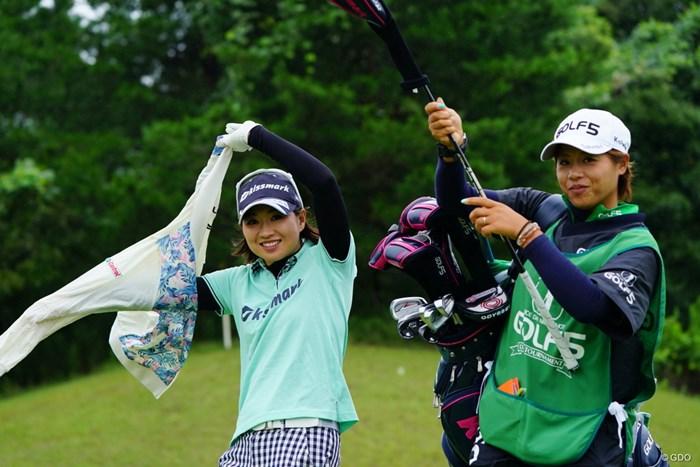 「あらよっと」こちとら江戸っ子じゃないサー。 2017年 ゴルフ5レディス プロゴルフトーナメント 2日目 川満陽香理