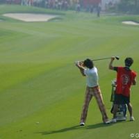 ラウンド中、幾度も切り返しのタイミングを確認する石川遼 2009年 WGCHSBCチャンピオンズ 初日 石川遼