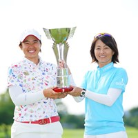 二人でつかんだ勝利かな。 2017年 ゴルフ5レディス プロゴルフトーナメント 最終日 O.サタヤ