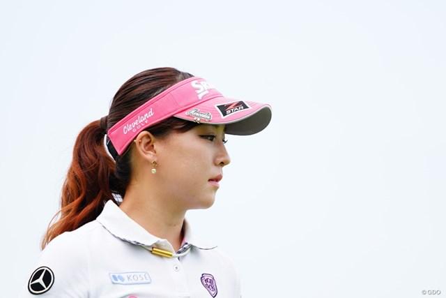 2017年 ゴルフ5レディス プロゴルフトーナメント 最終日 香妻琴乃 ファンはこの冷たい感じの表情が好きなのかしら。
