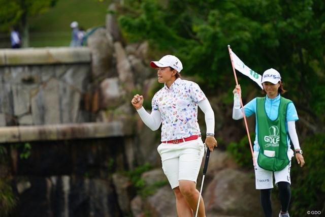 2017年 ゴルフ5レディス プロゴルフトーナメント 最終日 O.サタヤ 最終日は圧巻の「64」。ガッツポーズ連発でスコアを伸ばしたO.サタヤ