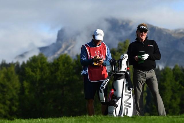 53歳の鉄人はまだまだ健在!首位スタートを切ったミゲル・アンヘル・ヒメネス(Stuart Franklin/Getty Images)