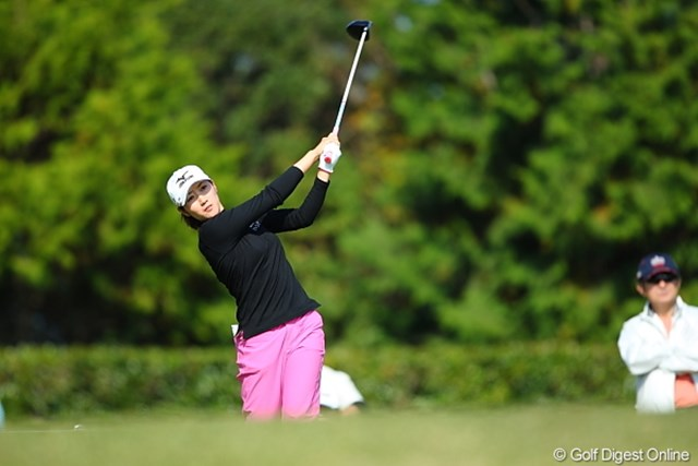 2009年 ミズノクラシック 2日目 飯島茜 ホステスプロの飯島茜が「64」の猛チャージ! 首位に1打差で最終日を迎える
