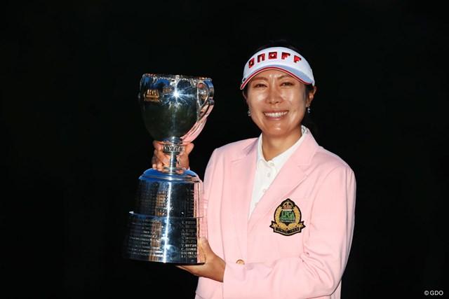 李知姫が「女子プロ選手権」初勝利を決めた