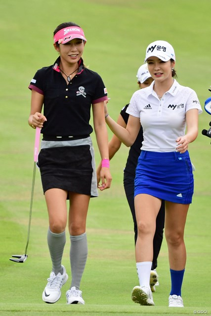 主催者さんのはからいによるペアリングなそうな…。女子ゴルフ界もここまで来ました!