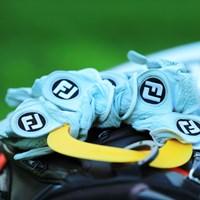 一体何枚の手袋を使うのだろう。 2017年 ANAオープンゴルフトーナメント 3日目 チョ・ビョンミン
