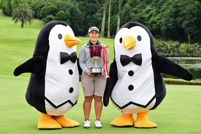 マンシング恒例。ペンギンちゃんとの記念撮影です。これお約束の写真。
