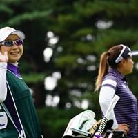 今週はお姉ちゃんのキャディなのか。 2017年 日本女子オープンゴルフ選手権競技 初日 馬場由美子