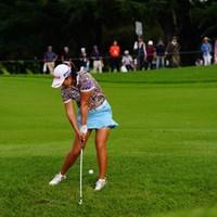 つま先下がりから見事にグリーンをキャッチ。 2017年 日本女子オープンゴルフ選手権競技 3日目 キム・ヘリム