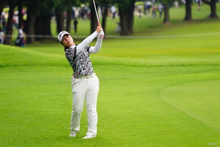 いとも容易くラフからフワっとアプローチ。 2017年 日本女子オープンゴルフ選手権競技 3日目 下川めぐみ