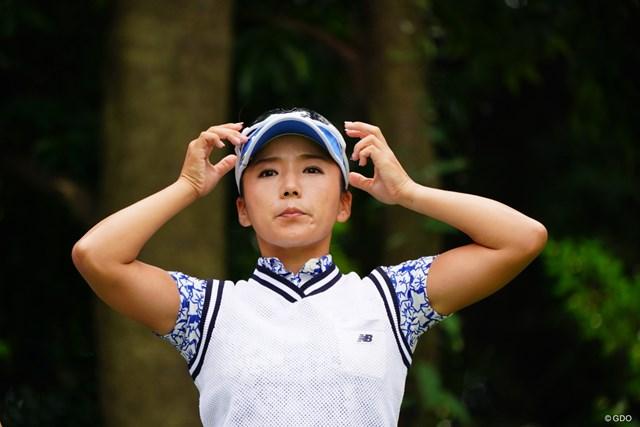 2017年 日本女子オープンゴルフ選手権競技 3日目 有村智恵 エアーヘッドホンで爆風スランプを聞く。