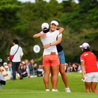畑岡を祝福した 2017年 日本女子オープンゴルフ選手権競技 最終日 チョン インジ