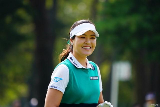 2017年 日本女子オープンゴルフ選手権競技 最終日 チョン・ インジ チップインしそうで思わず笑顔。