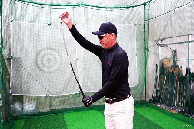 本間ゴルフ ツアーワールド TW-U フォージド マーク金井試打インプレッション 「VIZARD IB95」はカーボンシャフトならではのしなり感があり、切り返しでしなり戻りのタイミングが取りやすい