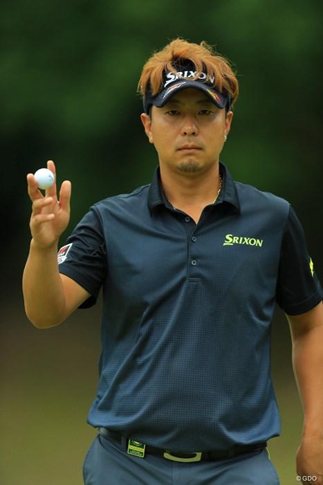 難関の10番をナイスパーセービングでカメラに向かってドヤ顔。 2017年 日本オープンゴルフ選手権競技 初日 塚田陽亮