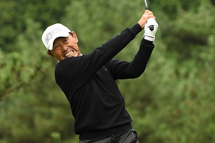 初日「68」をマークし、単独首位で滑り出した高橋勝成 ※画像提供:日本プロゴルフ協会 2017年 トラストグループカップ 佐世保シニアオープンゴルフトーナメント 初日 高橋勝成