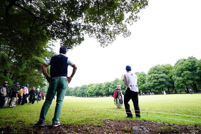 2017年 ブリヂストンオープンゴルフトーナメント 2日目 石川遼 考える遼様。グリーンを狙うのは困難。