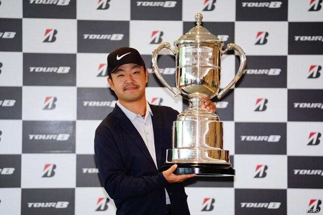 最終日は中止 時松隆光が今季初優勝/国内男子ゴルフ