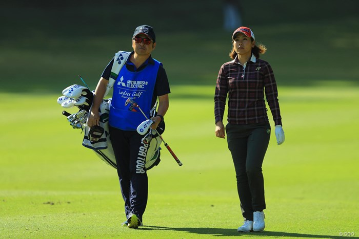 まだ見慣れぬ2人。 2017年 樋口久子 三菱電機レディスゴルフトーナメント 初日 若林舞衣子
