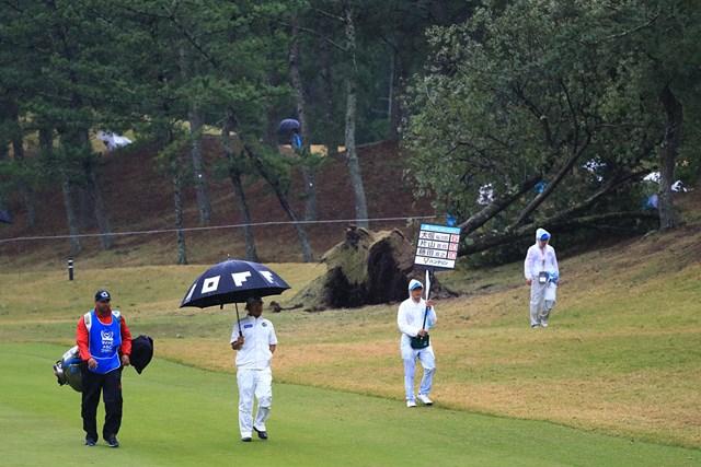 今なお台風21号の爪あとが残るコース。日曜日は再びの悪天候が予報されている
