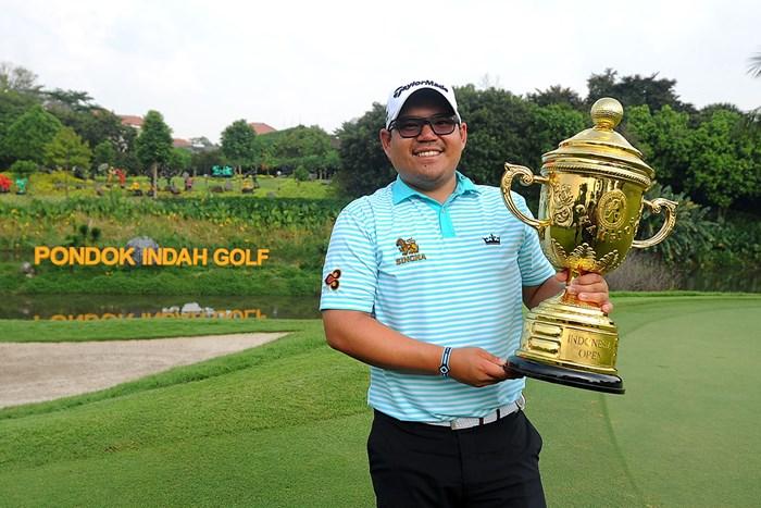 優勝したパヌポール・ピッタヤラット(Nasrul Haq/Asian Tour/Asian Tour via Getty Images) 2017年 インドネシアオープン 最終日 パヌポール・ピッタヤラット