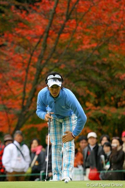 勝利への執念を感じさせるプレーを見せた石川遼。紅葉もメラメラと燃えているみたい!?