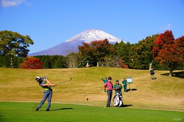 朝はしっかり見えるんだよねー。富士山さん。