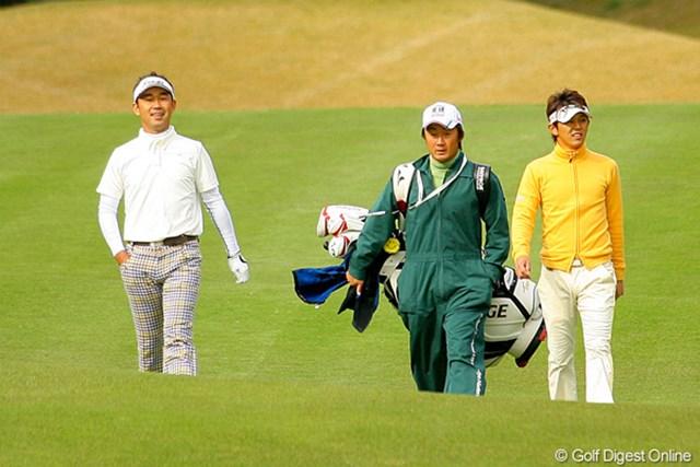 首位タイからスタートした近藤共弘と久保谷健一は、それぞれ5位、6位タイに後退した