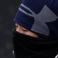 防寒ですか、インフルエンザ予防ですか、あやしいです 伊藤園レディス初日/上野由岐子