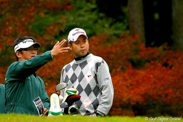 プレー中も表情が冴えなかった池田勇太。右手首の状態は深刻なようだ