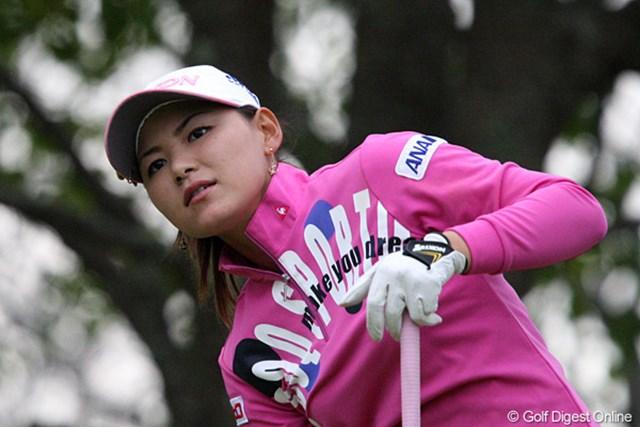 2009年 伊藤園レディス 2日目 横峯さくら 強風の中でも安定感のあるゴルフを続ける横峯さくら