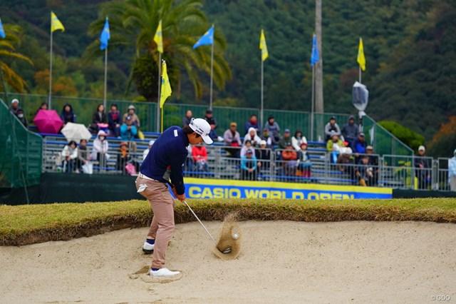 2017年 カシオワールドオープンゴルフトーナメント 最終日 ソン・ヨンハン ちょっとシャンク気味に右に飛び出ていった。