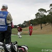 9番グリーン、金美賢はバーディパットを外し悔しがる 2006年 日韓女子プロゴルフ対抗戦 最終日 金美賢